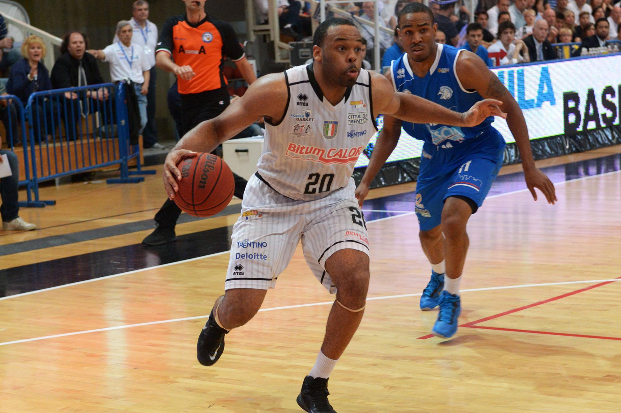Aquila Basket Trento e Bauer 1