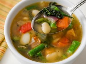Zuppa di verdure primaverile