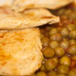 petto-di-pollo-al-curry-con-piselli