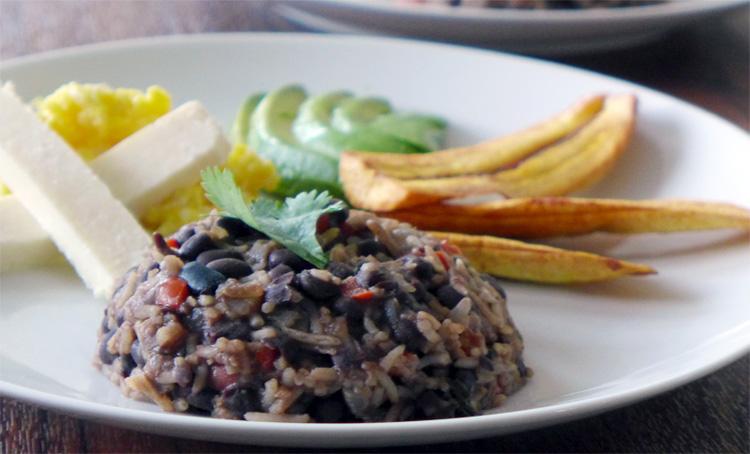 Gallo-pinto-costa-rica-ricetta