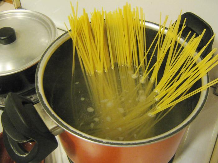 spaghetti-al-tonno-cottura-spaghetti