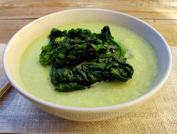 vellutata-finocchio-porro-con-spinaci
