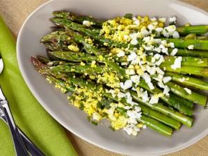 asparagi-mimosa-uova-sode