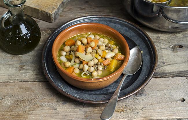 zuppa-ceci-con-verdure
