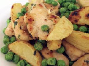 bocconcini-pollo-al-forno-piselli-patate