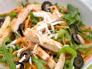 insalata-pollo-carote-olive