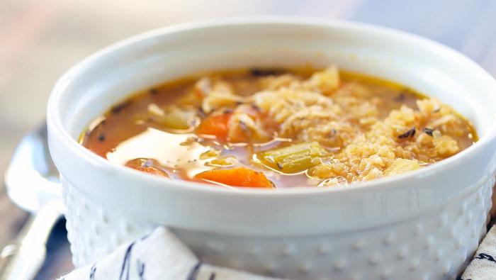 zuppa-quinoa-pollo-verdure